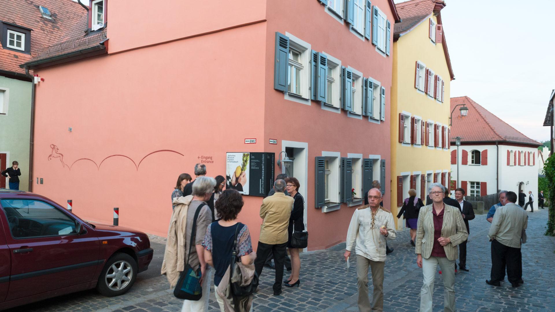 Blick in die Synagogengasse mit dem Jüdischen Museum Fanken in Schwabach.