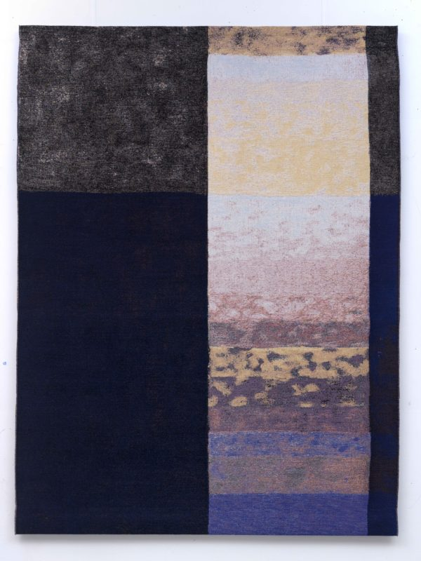 """Ein Wandteppich Kunstwerk von Babette Treumann, Teil der Ausstellung """"5x Treumann"""" im Jüdischen Museum Franken in Fürth."""