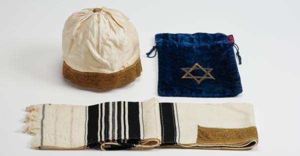 Tallit und Kopfbedeckung