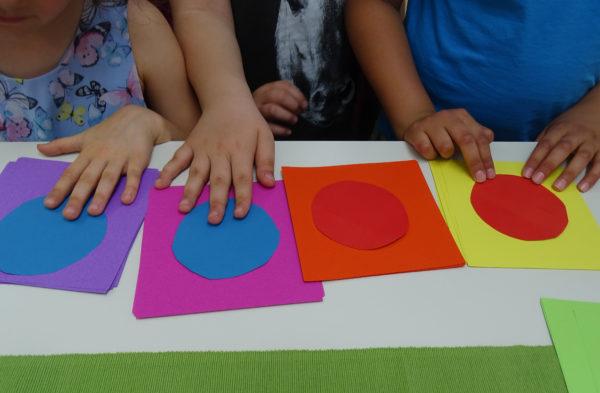 """""""Ottos Farben"""" ist die begleitende Schülerausstellung zur Wechselausstellung """"5x Treumann""""."""