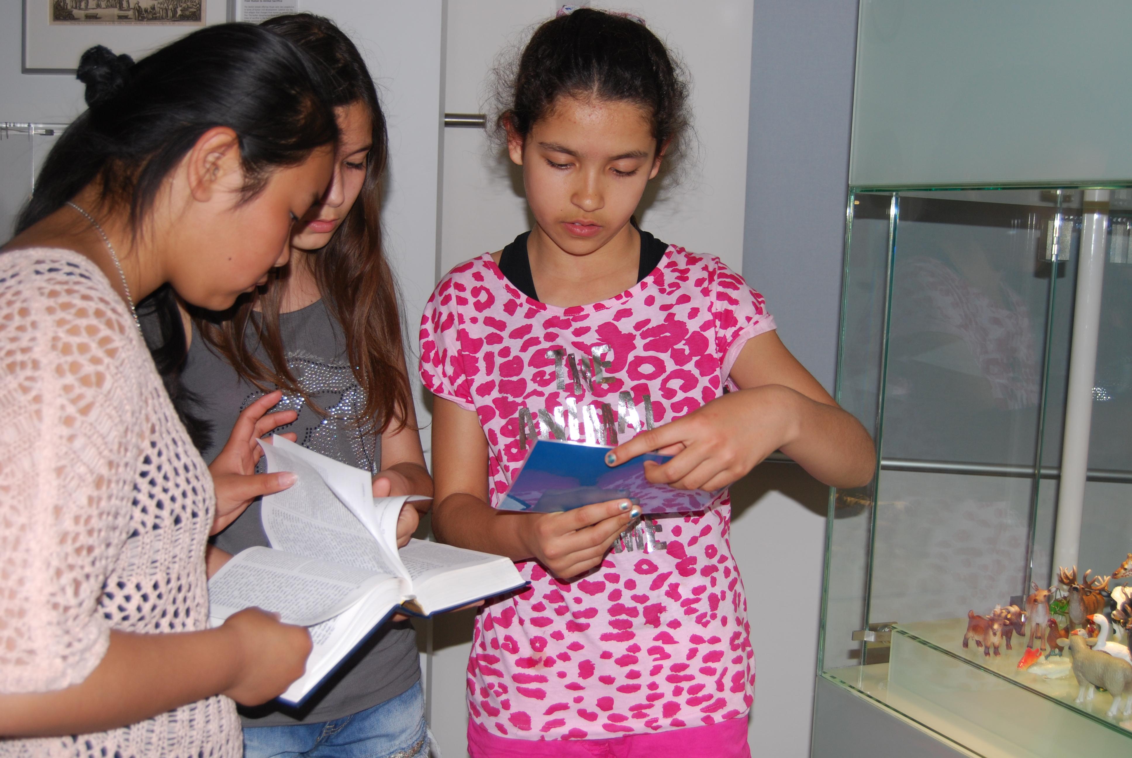 Kinder bei der Museumsrallye im Jüdischen Museum Franken in Fürth.