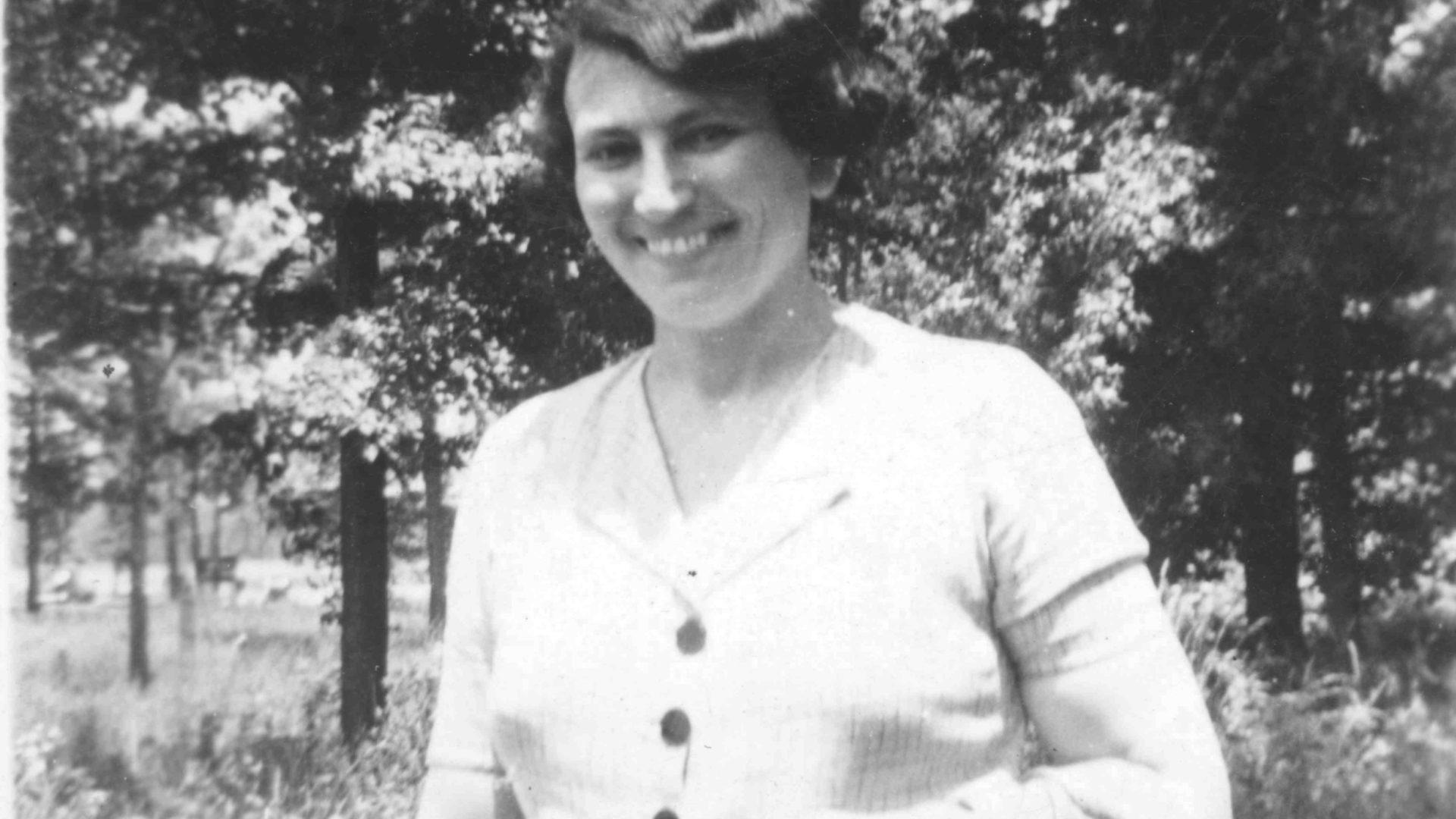 Portraitaufnahme von Mary S. Rosenberg. Das Café im Jüdischen Museum Franken in Fürth wurde nach ihrem Namen benannt.