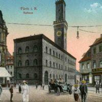 Historische Postkarte mit dem Fürther Rathaus.