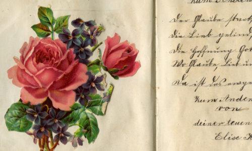 Poesiealbum aus Großmutters Zeiten, verziert mit Glanzbildern.