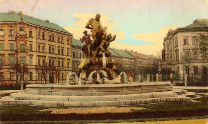 Alte Postkarte mit dem Centaurenbrunnen in Fürth.