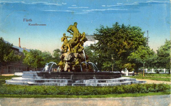 Kolorierte Postkarte des Centaurenbrunnens in Fürth.